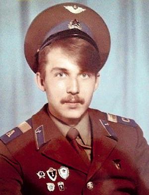 Творческая жилка проявилась у Кирилла на втором году службы в армии