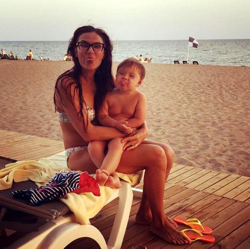 Эвелина БЛЁДАНС с сыном Сёмой. Фото: Instagram.com