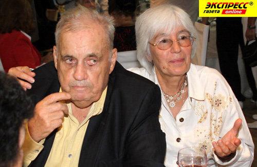 Эльдар РЯЗАНОВ с женой (Фото Бориса КУДРЯВОВА)