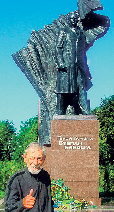 По Украине ездить КИКАБИДЗЕ мастак, а в Россию теперь и носа не кажет (снимок сделан в Тернополе)