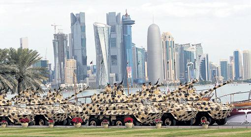 Столица государства Доха поражает воображение современной архитектурой. Огромные деньги позволяют маленькой стране вести себя очень агрессивно, несмотря на крохотную армию