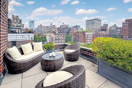 В бывшей квартире Джулии РОБЕРТС в Гринвич-Виллидже площадью 186 квадратных метров три спальни, три ванные и великолепный вид с террас на Нью-Йорк