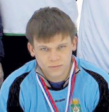 Сергей НИКОЛАЕВ намного моложе Елены