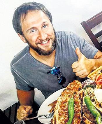 Оскар знает толк в еде. Фото: Instagram.com