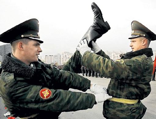 Хорошая растяжка зачтётся в службу. Фото: perly.ru