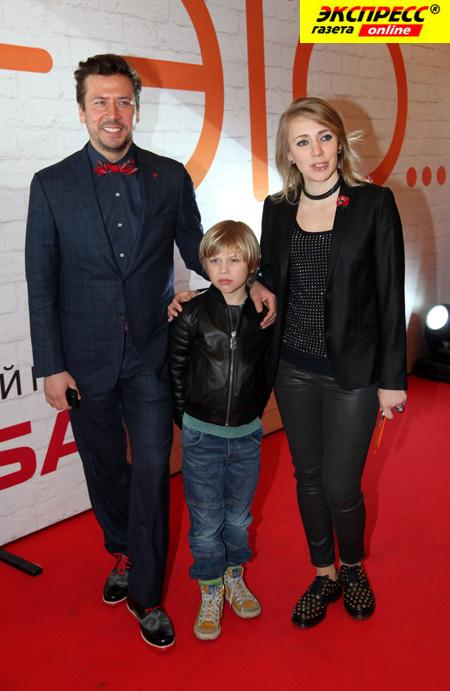 Андрей МЕРЗЛИКИН с женой и сыном