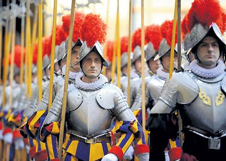 Если повезёт, в скором времени Тёма может оказаться в личном войске Папы Римского. Фото с сайта Liveinternet.ru