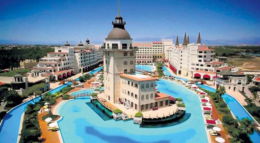 В Турции миллиардер построил шикарный отель «Mardan Palace»