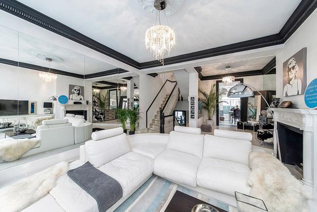 Бывшая квартира Джонни РОТТЕНА занимает первые три этажа пятиэтажки в фешенебельном районе Лондона...