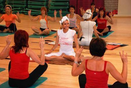 Мария КАЛИНИНА сейчас преподаёт йогу