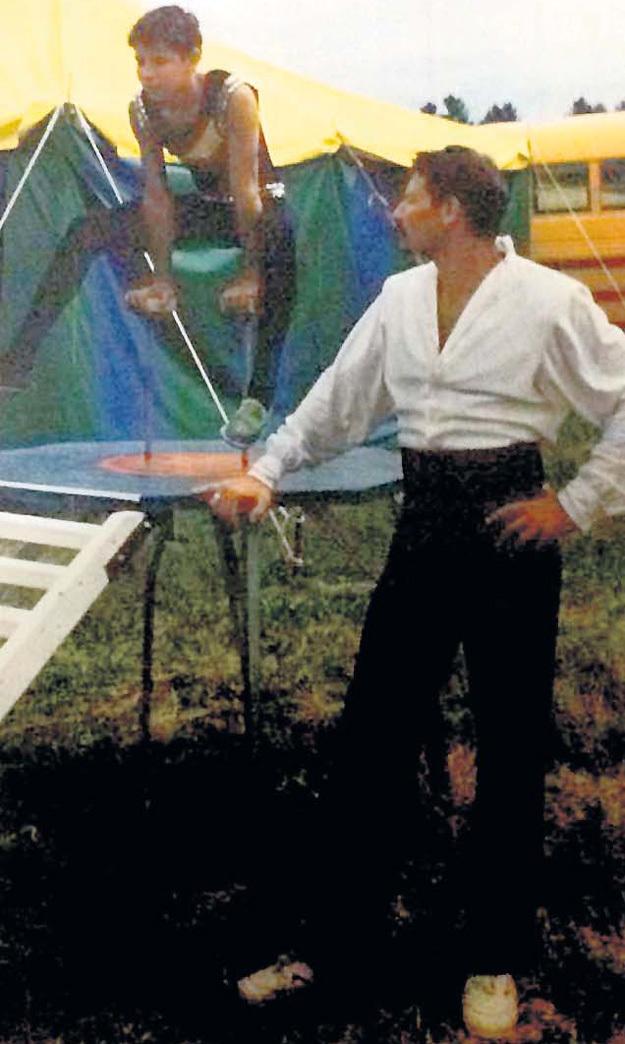Александр МИЛАЕВ с детства заставлял сына Антона выполнять сложные цирковые трюки