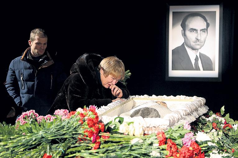 Светлана Владимировна была рядом с мужем в горе и радости последние 15 лет. Фото Олега КУЗЕНКОВА/«Комсомольская правда»