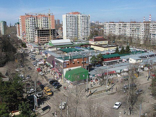 Стоимость квадратного метра жилой недвижимости в Карасунском районе Краснодара составляет в среднем 47 000 рублей.
