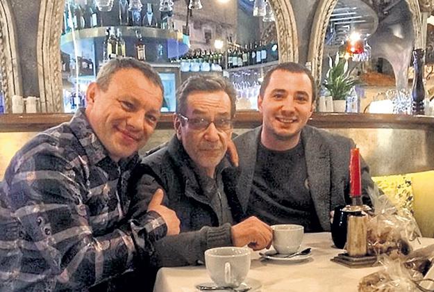 Автор скандального заявления Евгений ТЕРЕХОВ (справа) с актёром-бандеровцем Алексеем ГОРБУНОВЫМ (в центре)