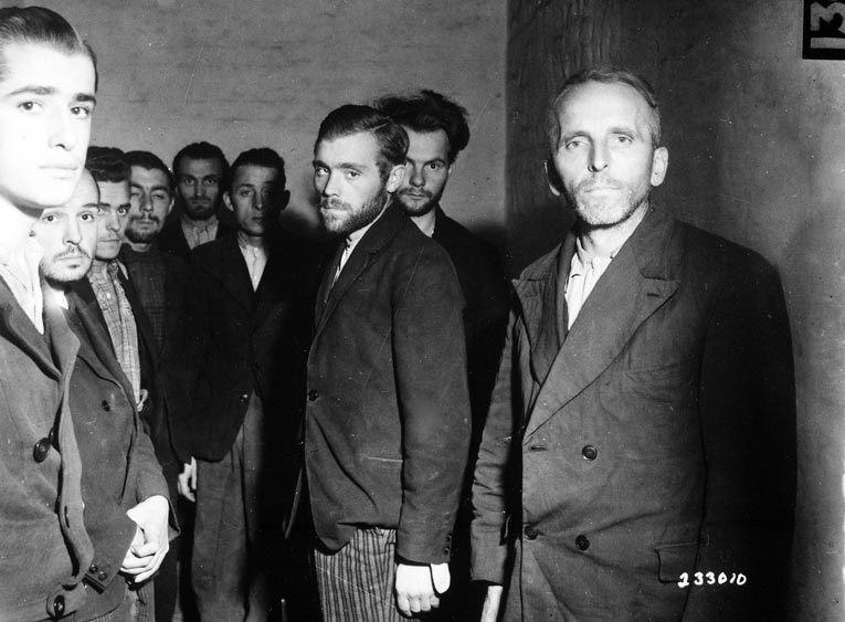 Агенты гестапо, арестованные во Франции в 1944 г