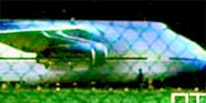 &#034ЗЛОДЕЙСКИЙ&#034 САМОЛЕТ: в полете у него откуда - то возникает стеклянная кабина