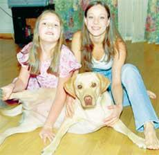 ДЕВИЧНИК: Анна с дочкой Ниной и лабрадоршей Мерли