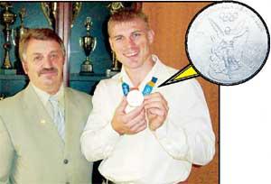 ВИТАЛИЙ МАКАРОВ - ТРЕНЕРУ СБОРНОЙ ФЛЕКСАНДРУ МИЛЛЕРУ: &#034Моя медаль дороже &#034золота&#034