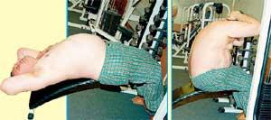 СКРУЧИВАНИЕ НА ЛАВКЕ: работают средние и верхние мышцы