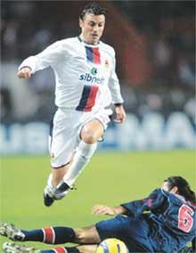 РОЛАН ГУСЕВ: любит бегать за мячом и за судьями
