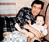 ПАМЯТНЫЙ СНИМОК: отца Лена помнит только по фотографиям