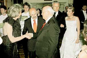 НАДЕЖНЫЙ ТЫЛ: Ирина, дочь экс-президента СССР, с Александром Лебедевым (справа)