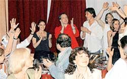 ТЕАТР-ПОБЕДИТЕЛЬ: коллектив РАМТа шумно отпраздновал свой успех