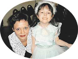 НЮША С МАМОЙ: отчество у дочки &#034машиниста&#034 - Андреевна, а фамилия Рождественская