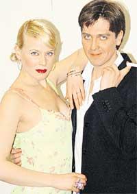 СУПРУГИ: Маша и Денис не часто бывают вместе