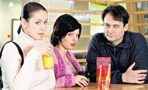 ВИНОКУРОВ И ЕГО ЖЕНЩИНЫ: в Машу (Анна Ковальчук) - он влюблен, а на Жене (Эмилия Спивак) - женат