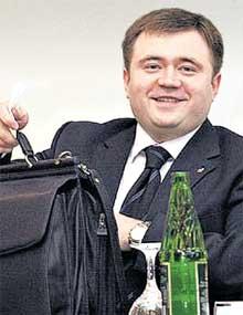 ПЕТР ФРАДКОВ: карьере на госслужбе предпочел бизнес