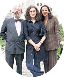 СЧАСТЛИВОЕ ВРЕМЯ: Мариэтта с папой Сергеем Викторовичем и мамой Любовью Григорьевной