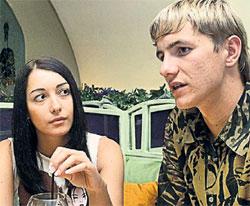 ЛАРИСА И РОМАН: раньше сидели за одной партой, теперь живут в одной квартире