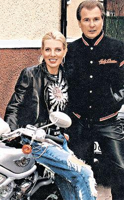 Эмма изменяет мужу только с мотоциклом