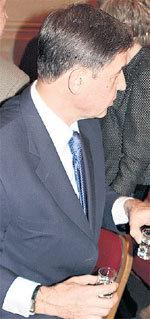 Культурный министр АВДЕЕВ выпил горилки с двух рук, по-македонски...
