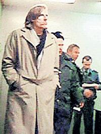 Филипп СМОКТУНОВСКИЙ в отделении милиции при задержании по подозрению в хранении наркотиков (октябрь 2007 г.) (фото <A href=