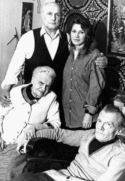 С женой Ирой, мамой Галиной Александровной и отчимом Михаилом Николаевичем