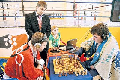 ...и за шахматной доской