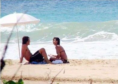 Звездная пара полюбила этот райский островок за его романтичность.