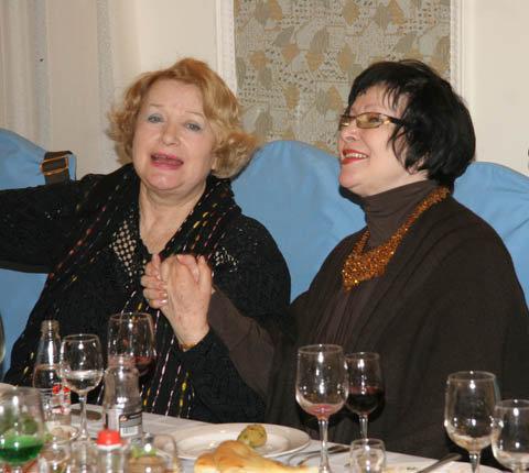 Валентина Илларионовна обожает застолья.