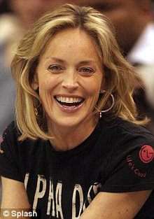 В свои 51 актриса прекрасно выглядит -  снимок сделан несколько недель назад, 27 декабря