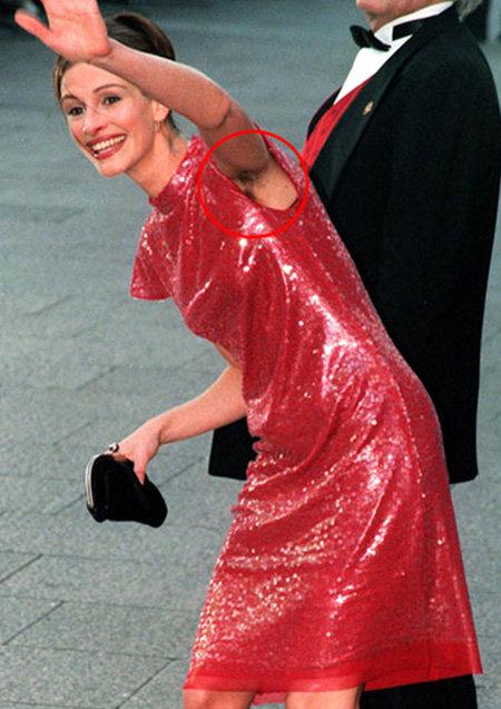 Это фото Джулии Робертс в свое время обошло все таблоиды - больше актриса на красные ковровые дорожки в таком виде не выходит, но в домашней обстановке позволяет себе все что угодно