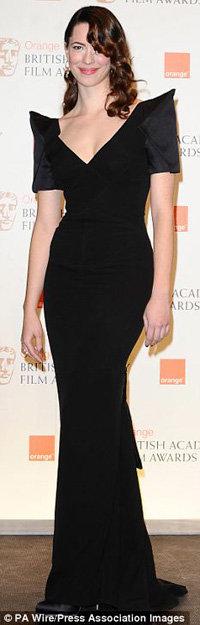 Ребекка полностью во вкусе Мендеса - она и умна, и красива. Фото Daily Mail