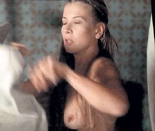 Актриса снялась обнаженной в фильме своего маститого супруга «Лев зимой»