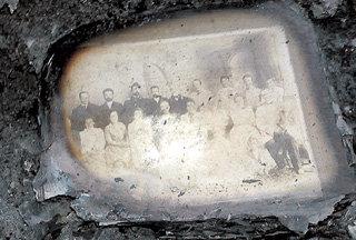 Всё, что осталось от фотоальбома знаменитых жильцов