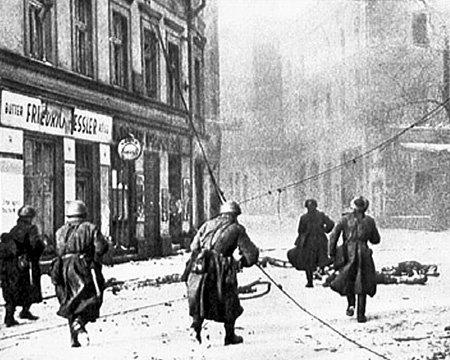 ...мог по дешёвке отдать Германии территории, за которые советские солдаты проливали кровь
