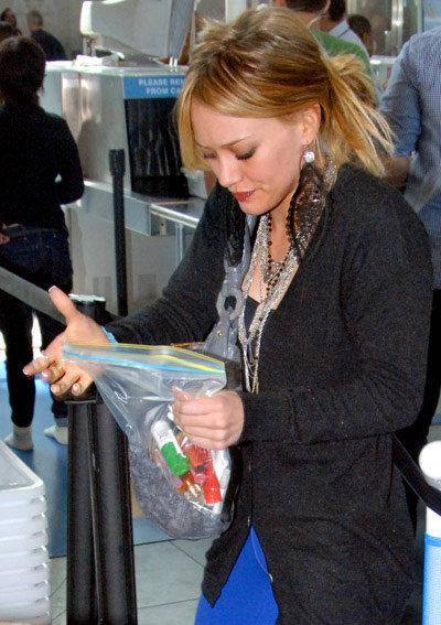 Хиллари Дафф недовольна расставанием с любимым кремом и мятным аэрозолем для рта