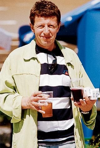 Мужской набор телеведущего: пиво и сигареты