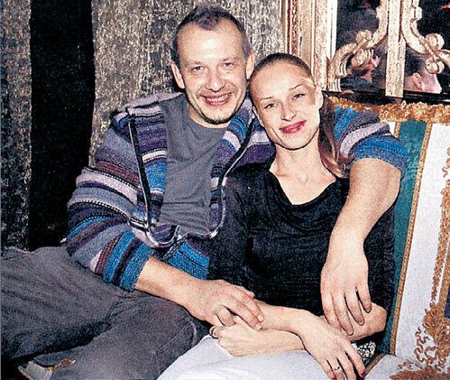 С танцовщицей Ольгой СИЛАЕНКОВОЙ Дмитрий долго не мог расстаться