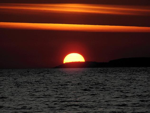 Ядро Солнца вращается аномально быстро— Ученые